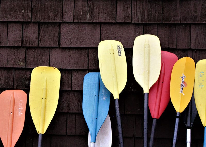 Pick the right kayak paddle